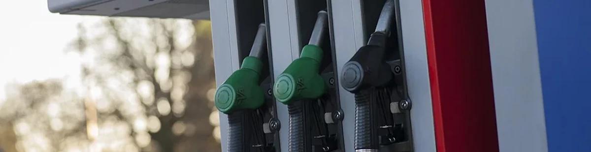 3 petrol pumps